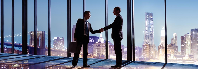 SUMAMOS MÁS DE 100 AÑOS de experiencia en empresas líderes